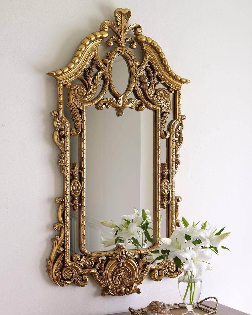 Queen Mirror Frame With Golden Framework Pretty And Expensive for Small Gold Mirrors (Image 17 of 25)
