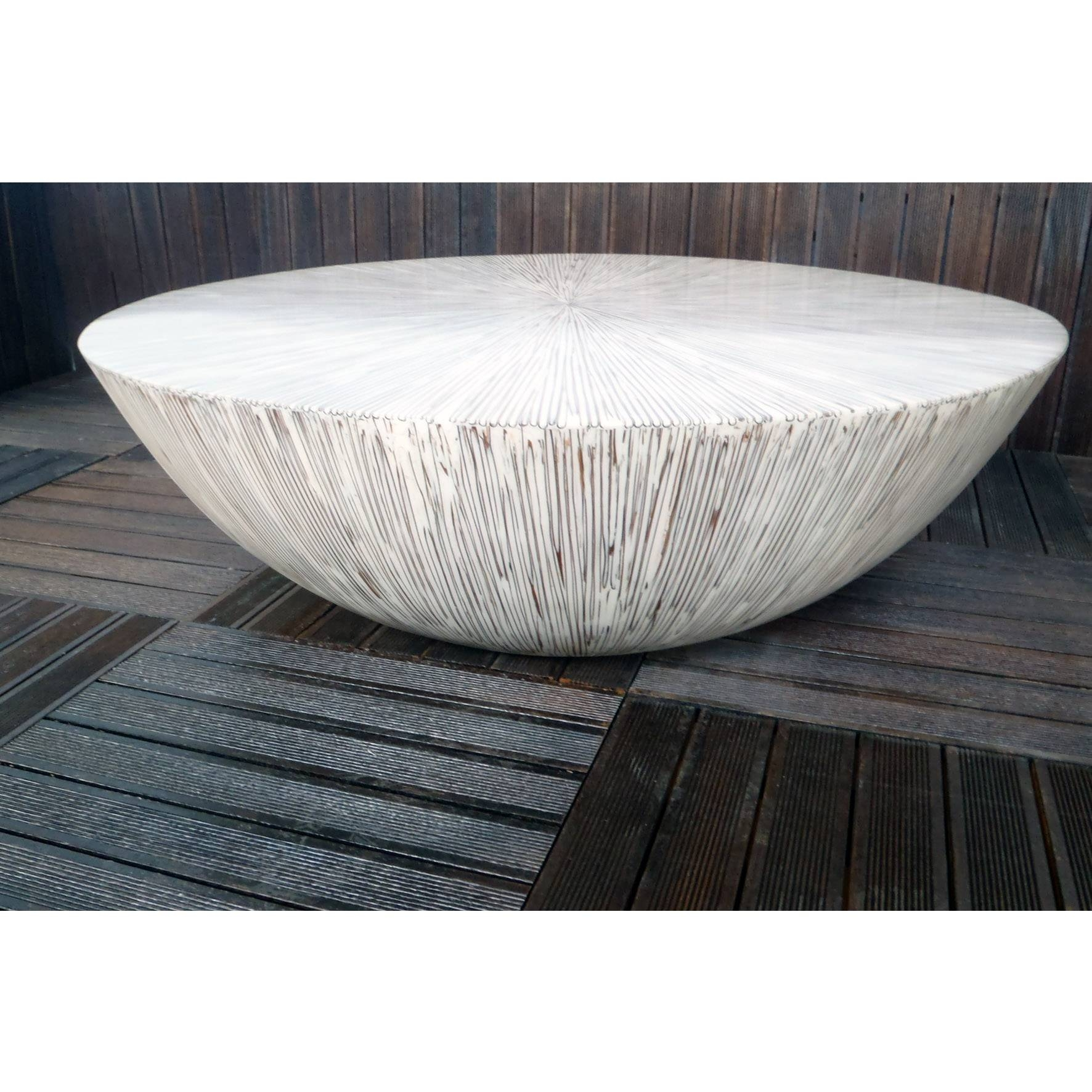 Round White Coffee Table | Coffee Table Decoration with regard to White Circle Coffee Tables (Image 21 of 30)