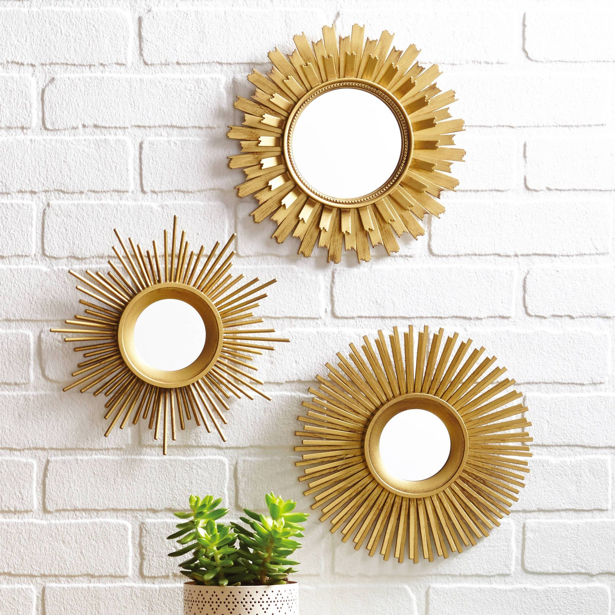 Set Of 3 Mirrors 63 Awesome Exterior With Round Gold Mirror Set regarding Modern Gold Mirrors (Image 22 of 25)