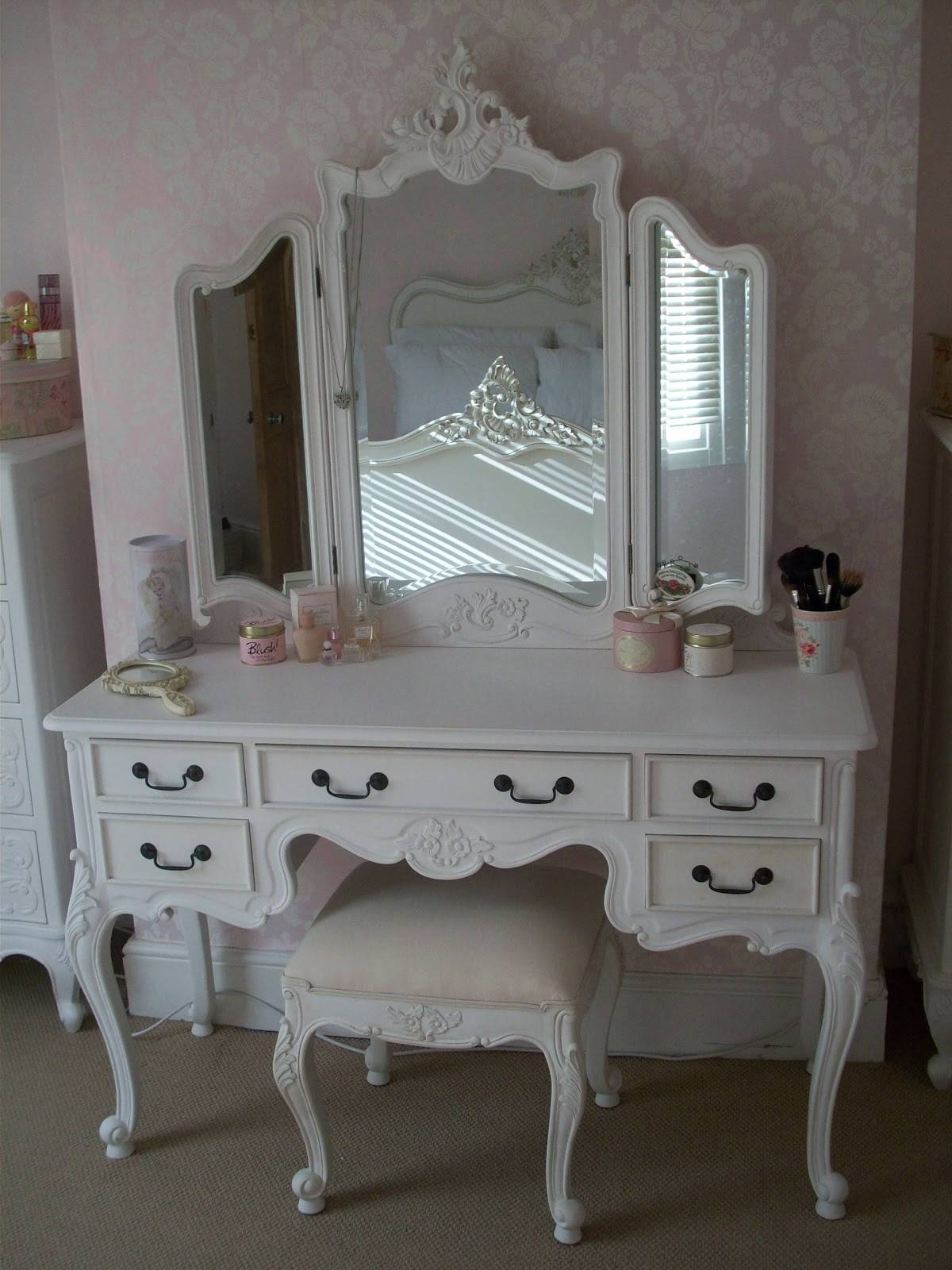 Shabby Chic White Makeup Vanity Set With Plenty Drawers And Tri for White Shabby Chic Mirrors Sale (Image 22 of 25)
