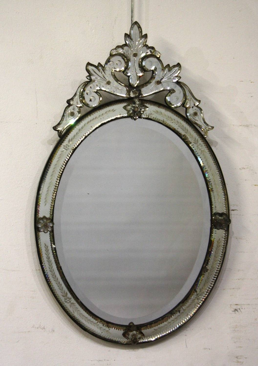 Small Oval Venetian Mirror in Venetian Antique Mirrors (Image 24 of 25)