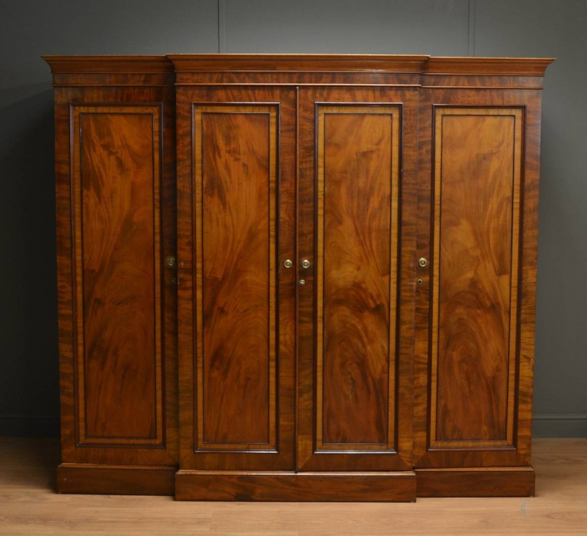 Small Regency Mahogany Antique Triple Wardrobe. - Antiques World throughout Antique Triple Wardrobes (Image 8 of 15)