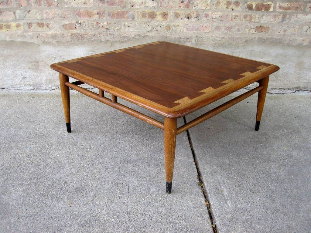 Square Coffee Table Wood : Get Stylish Living Rooms With Square for Stylish Coffee Tables (Image 23 of 30)