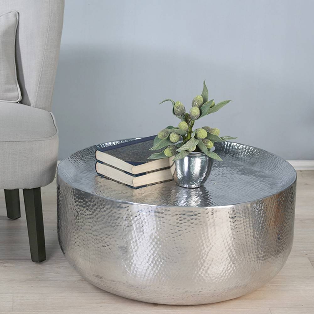 Table Milano Aluminium . Polished Hammered Optics Round Shape for Aluminium Coffee Tables (Image 30 of 30)