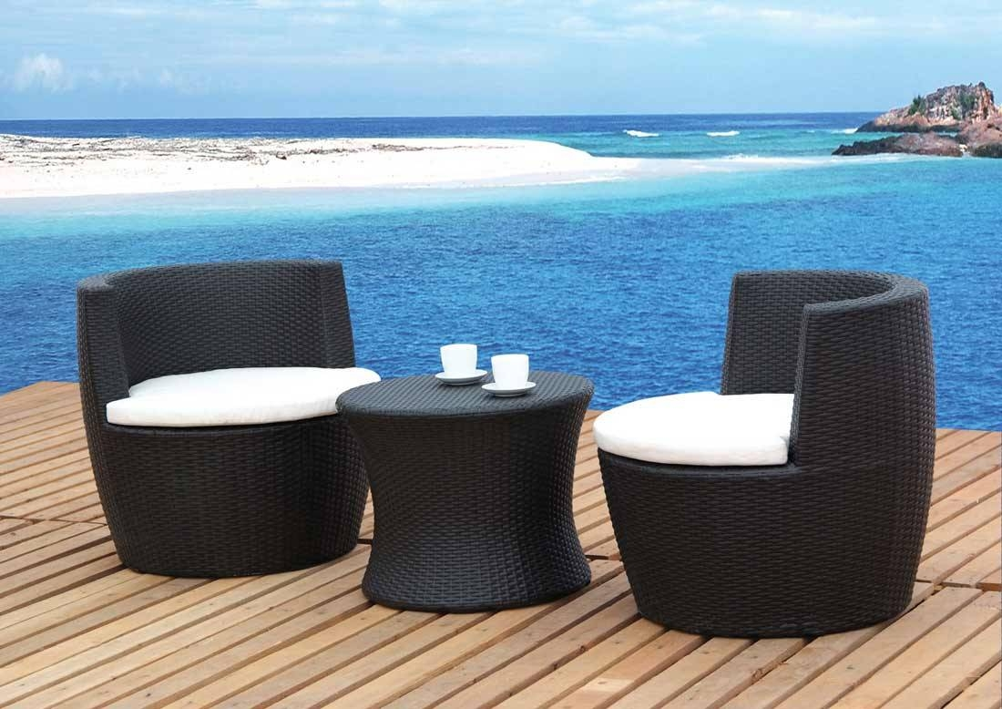 The Top 10 Outdoor Patio Furniture Brands inside Outdoor Sofa Chairs (Image 30 of 30)