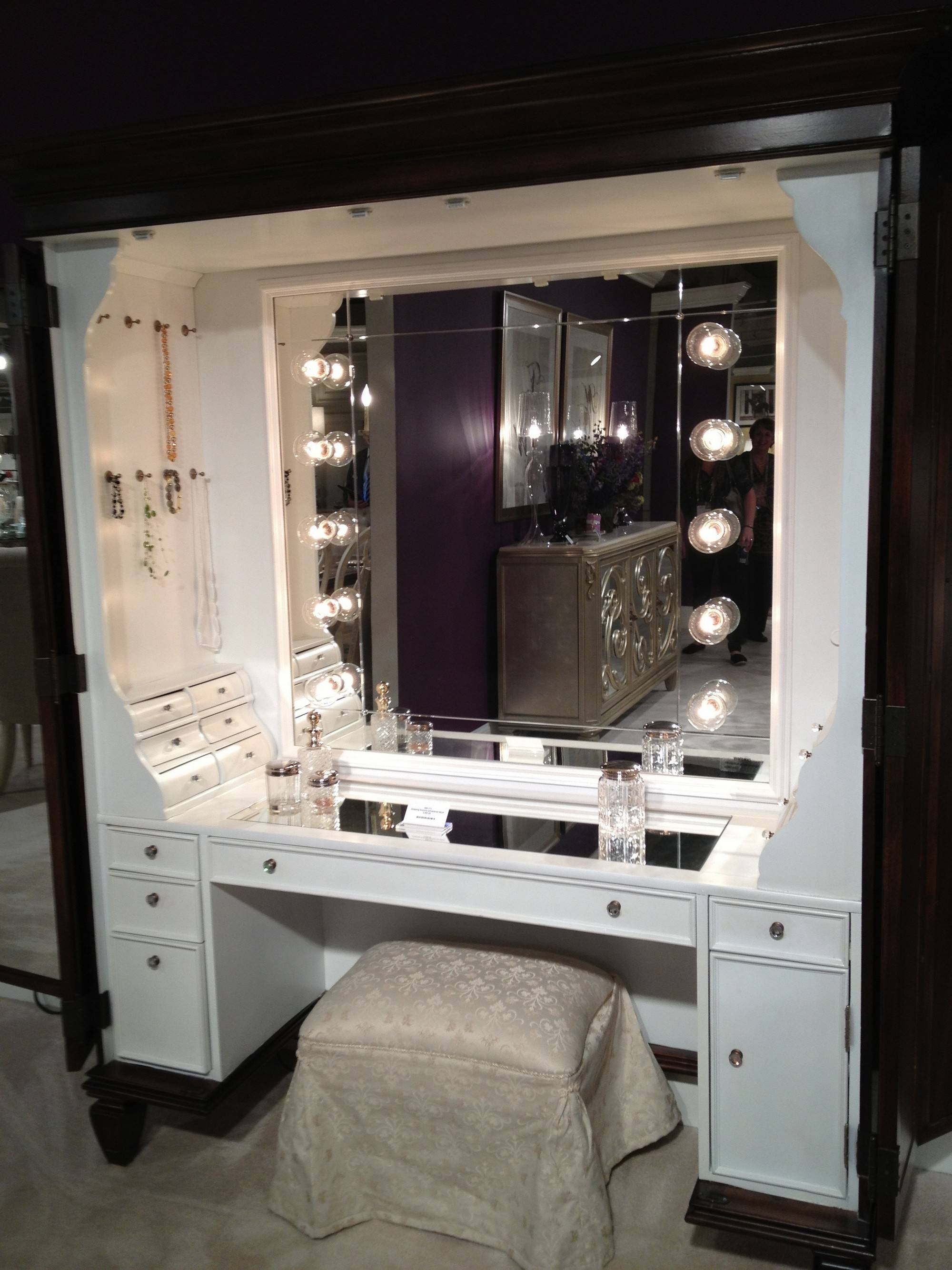 Tiny White Dressing Table Lighted Mirror Dressing Table Lighted regarding Black Dressing Mirrors (Image 25 of 25)