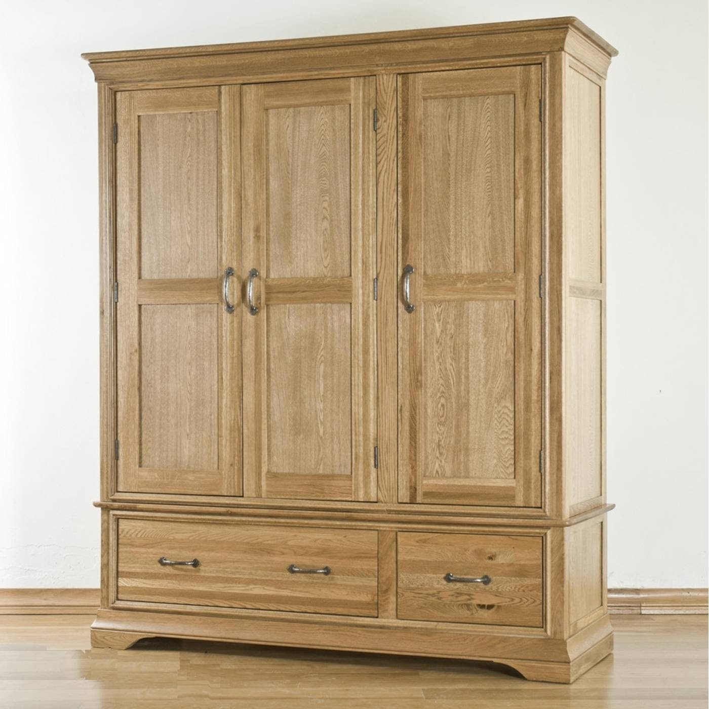 Toulon Solid Oak Furniture Triple Bedroom Large Storage Wardrobe in Large Oak Wardrobes (Image 15 of 15)