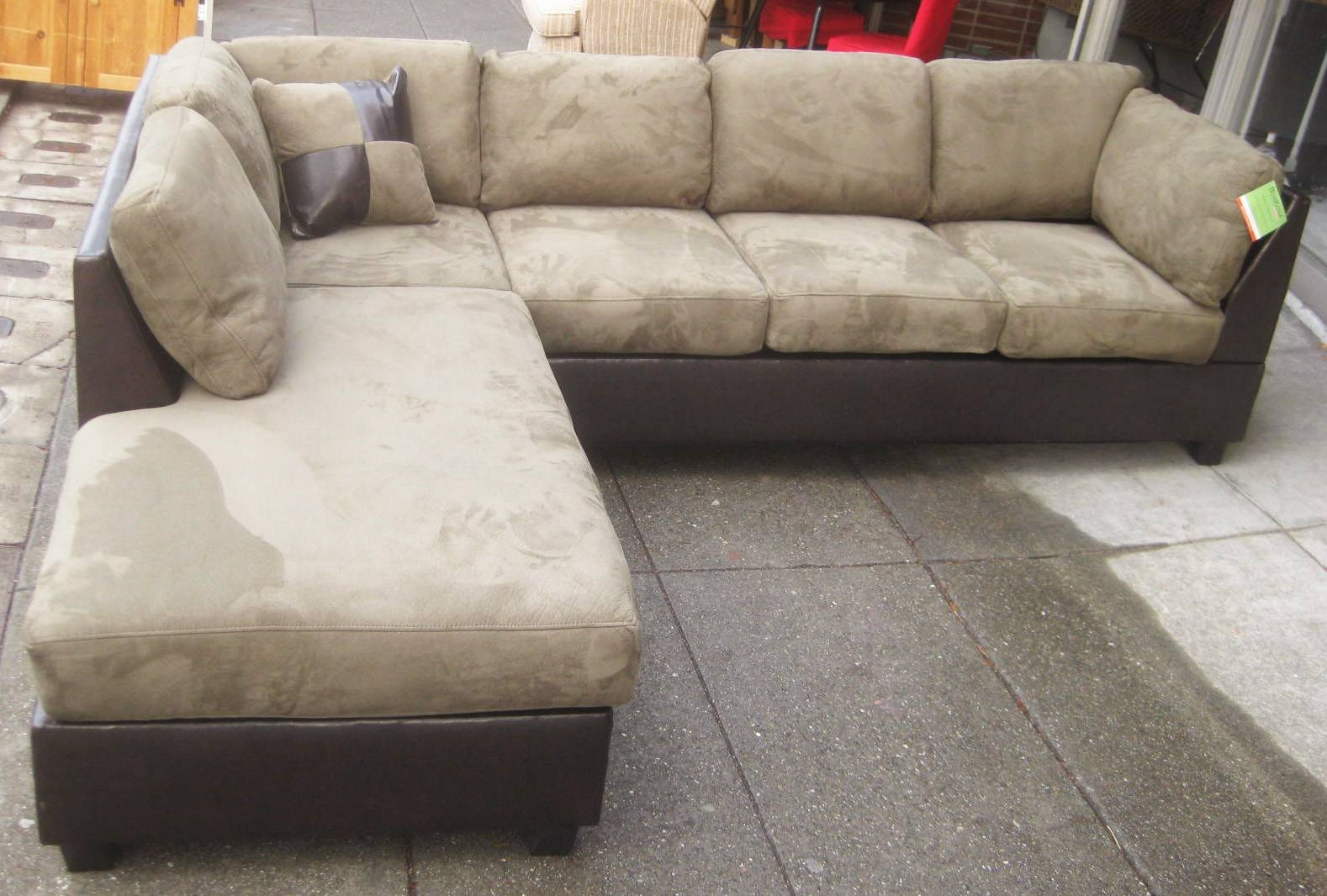 Uhuru Furniture & Collectibles: Sold - Leather & Microsuede for Microsuede Sectional Sofas (Image 29 of 30)