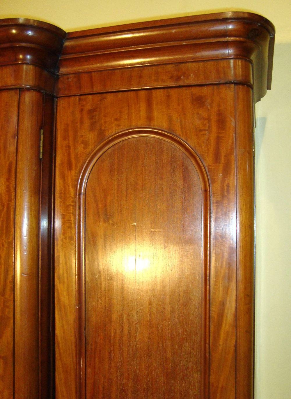 Victorian Mahogany Three Door Breakfront Wardrobe - Antiques Atlas in Victorian Mahogany Breakfront Wardrobe (Image 25 of 30)