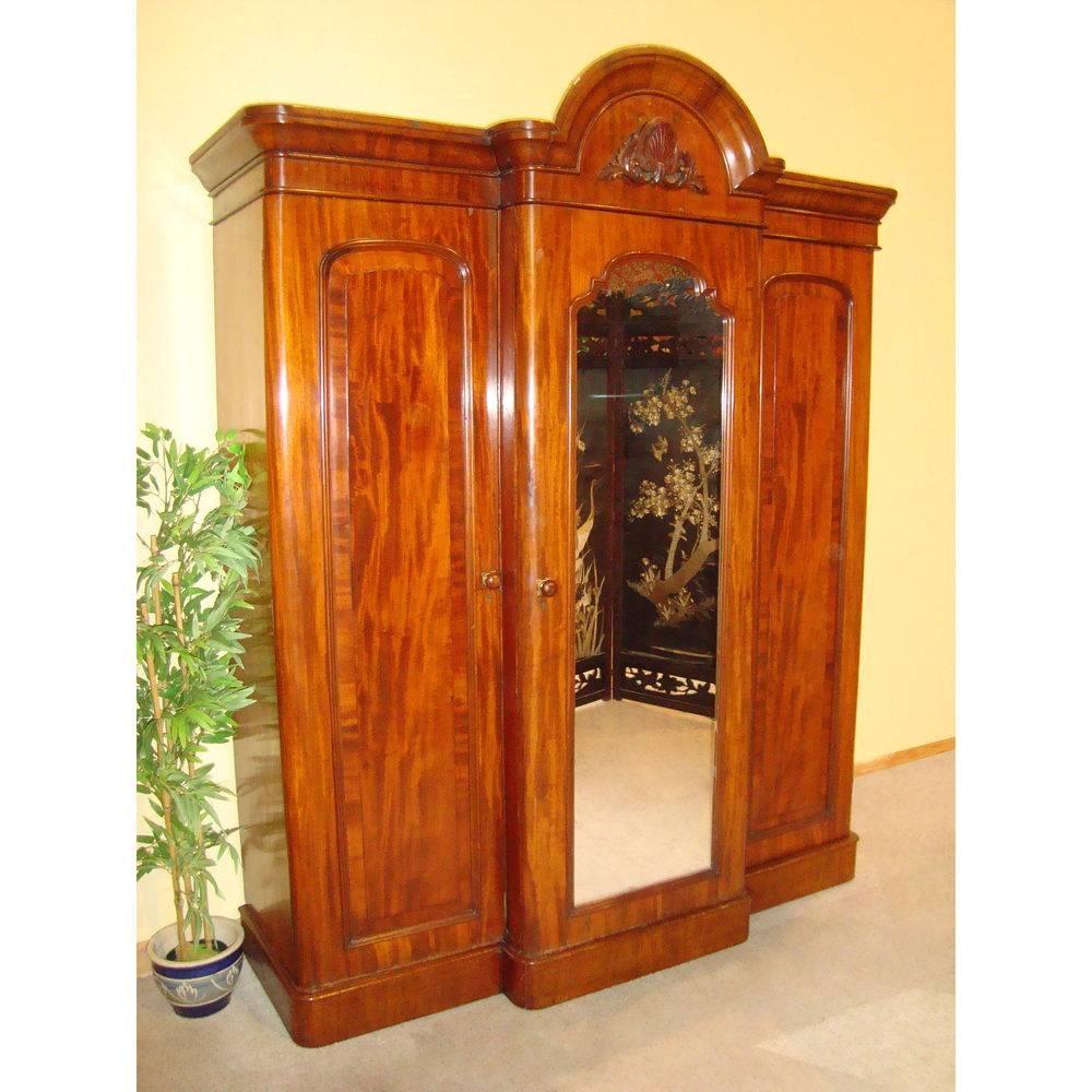 Victorian Mahogany Three Door Breakfront Wardrobe - Antiques Atlas with regard to Victorian Mahogany Breakfront Wardrobe (Image 27 of 30)