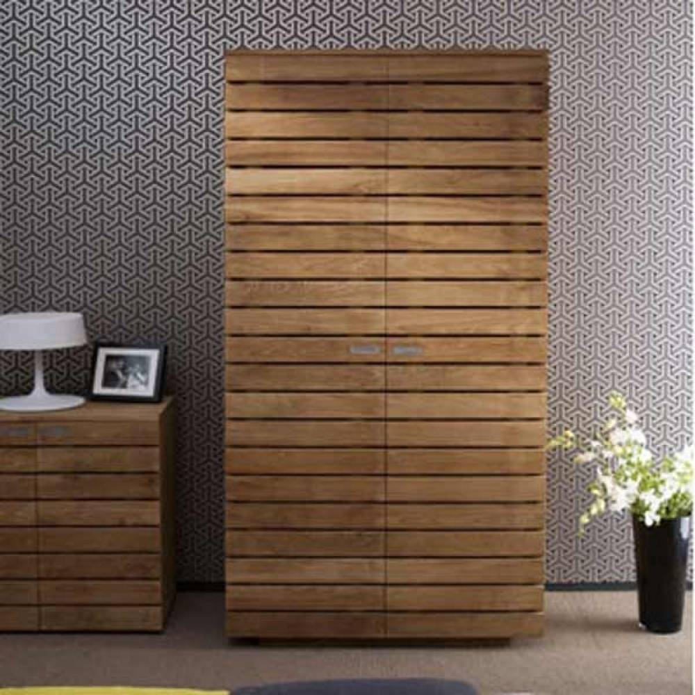 Viewing Photos Of Solid Wood Built In Wardrobes (Showing 2 Of 15 pertaining to Solid Wood Built In Wardrobes (Image 25 of 30)
