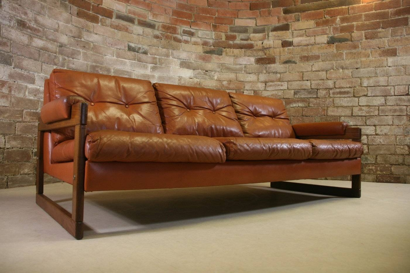 Vintage Leather Sofa Bed | Sofas Decoration with Vintage Leather Sofa Beds (Image 26 of 30)