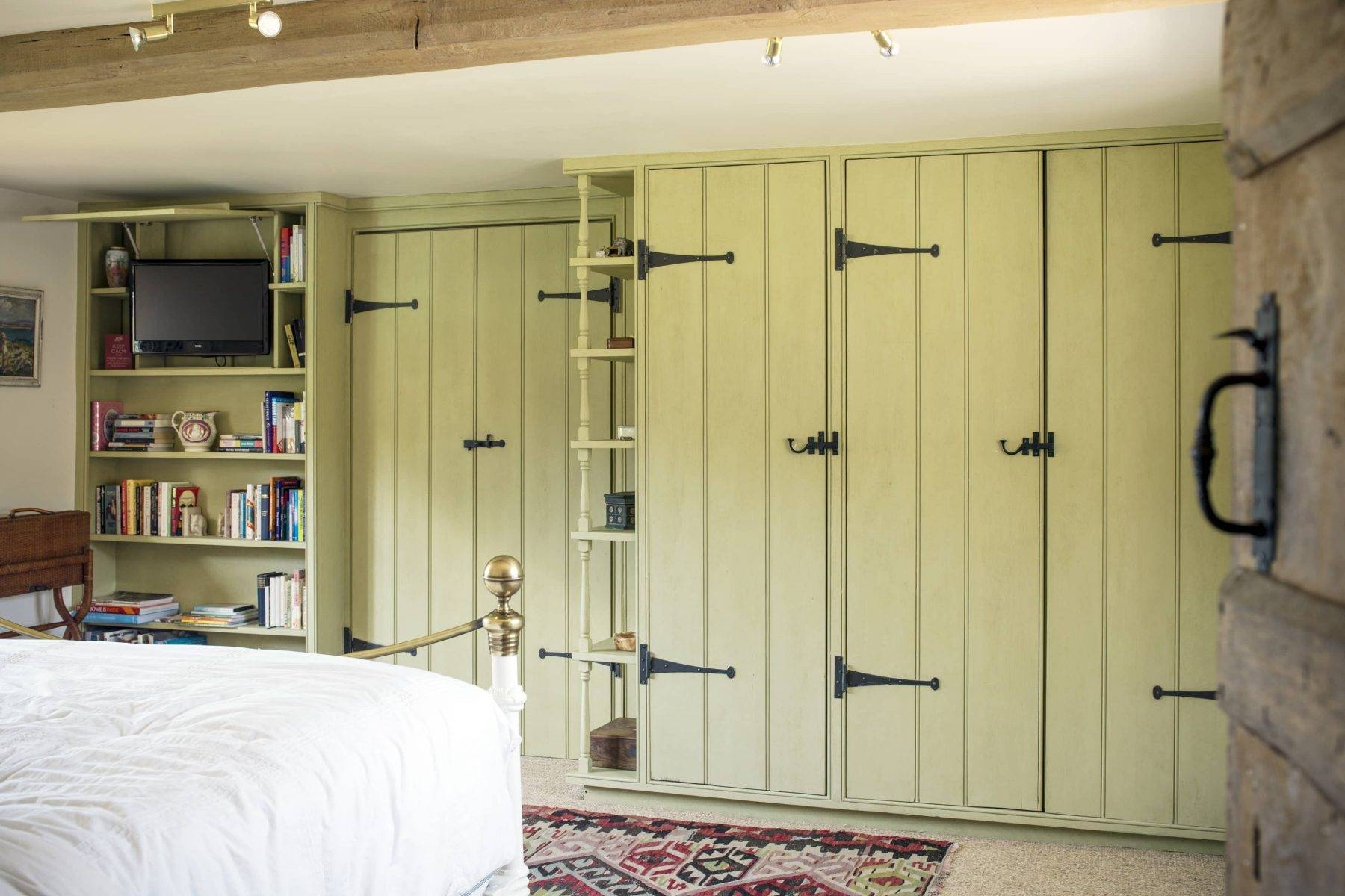 Featured Photo of Country Style Wardrobes