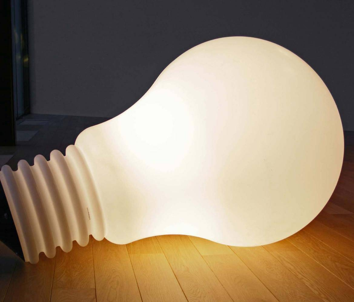 10 Tips For Buying The Perfect Giant Light Bulb Lamp | Warisan in Giant Lights Bulb Pendants (Image 1 of 15)