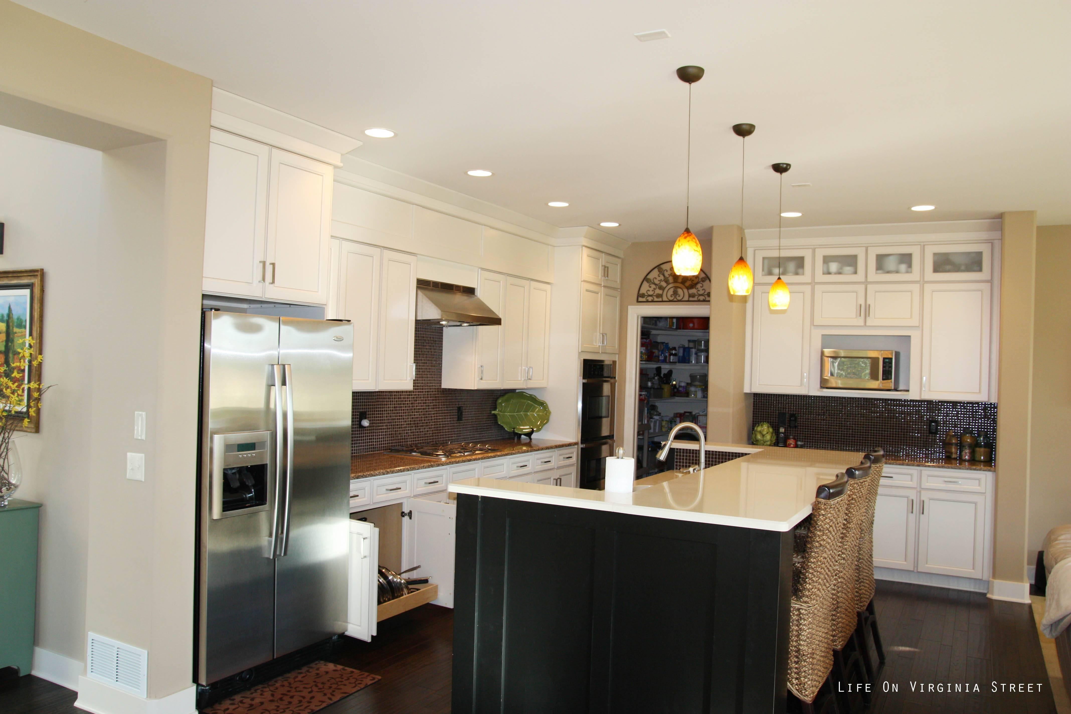 Amazing Of Mini Pendant Lights Over Kitchen Island On House Decor For Kitchen Island Single Pendant Lighting (View 6 of 15)