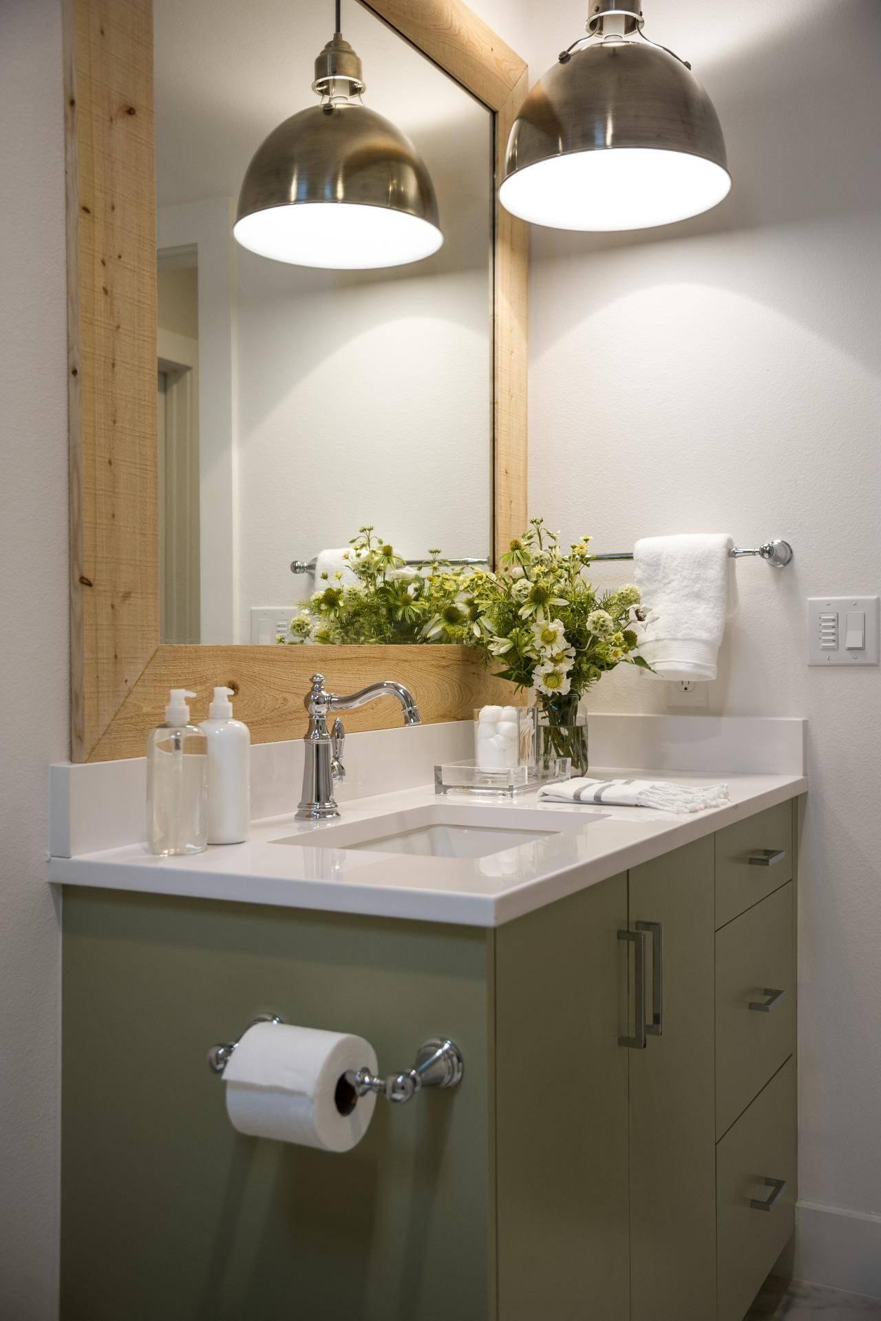 Featured Photo of Mini Pendant Lights For Bathroom