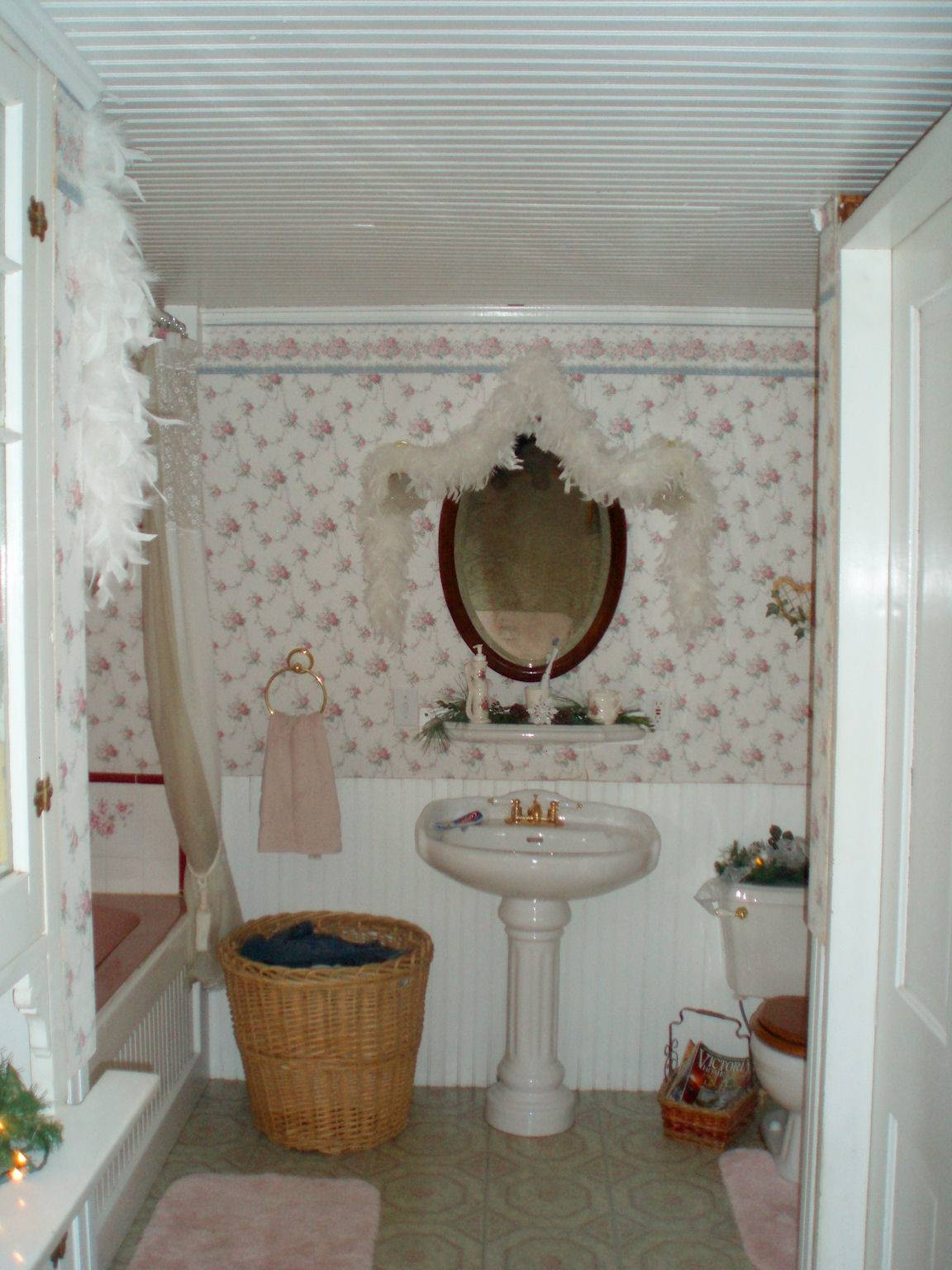 Beautiful Decorations With Victorian Bathroom Mirror – Vanity in Victorian Standing Mirrors (Image 2 of 15)