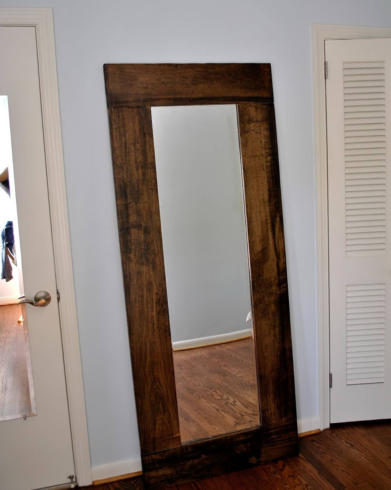 Stand up wall mirrors