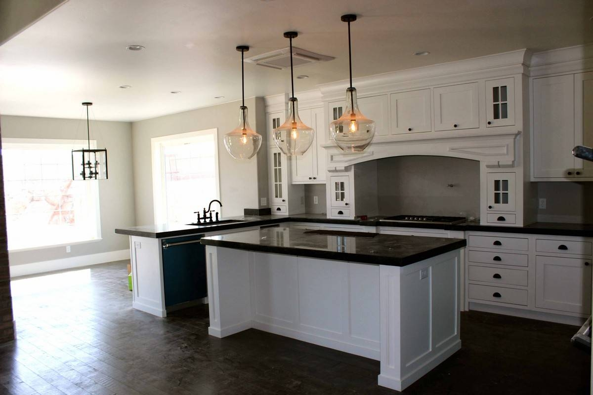 Black And White Kitchen Decoration Using Large Ball Clear Glass In Rustic Clear Glass Pendant Lights (View 11 of 15)