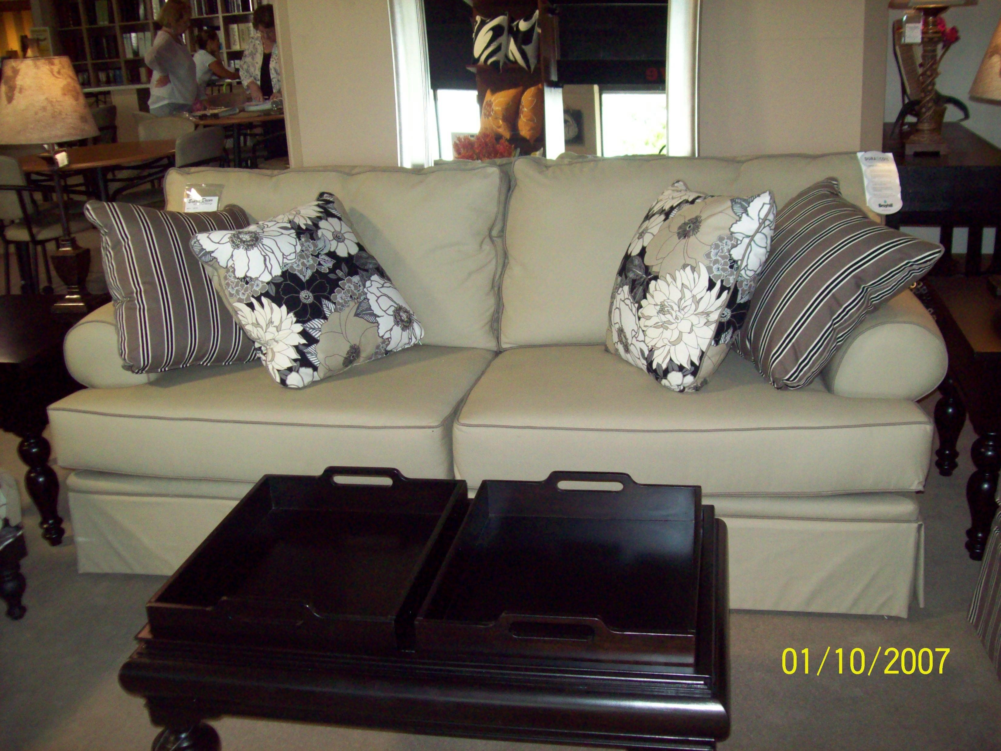 Latest Broyhill Emily Sofas - Broyhill emily sofa