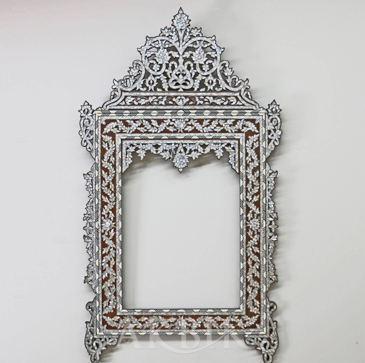 Decor: Stylish Decoration Using Mother Of Pearl Mirror — Cafe1905 pertaining to Mother of Pearl Wall Mirrors (Image 5 of 15)