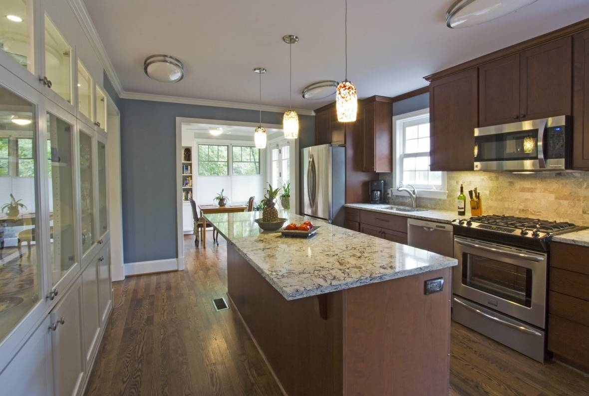 Different Ways To Hang Mini Pendant Lights Over Kitchen Tables regarding Mini Pendant Lighting for Kitchen Island (Image 3 of 15)