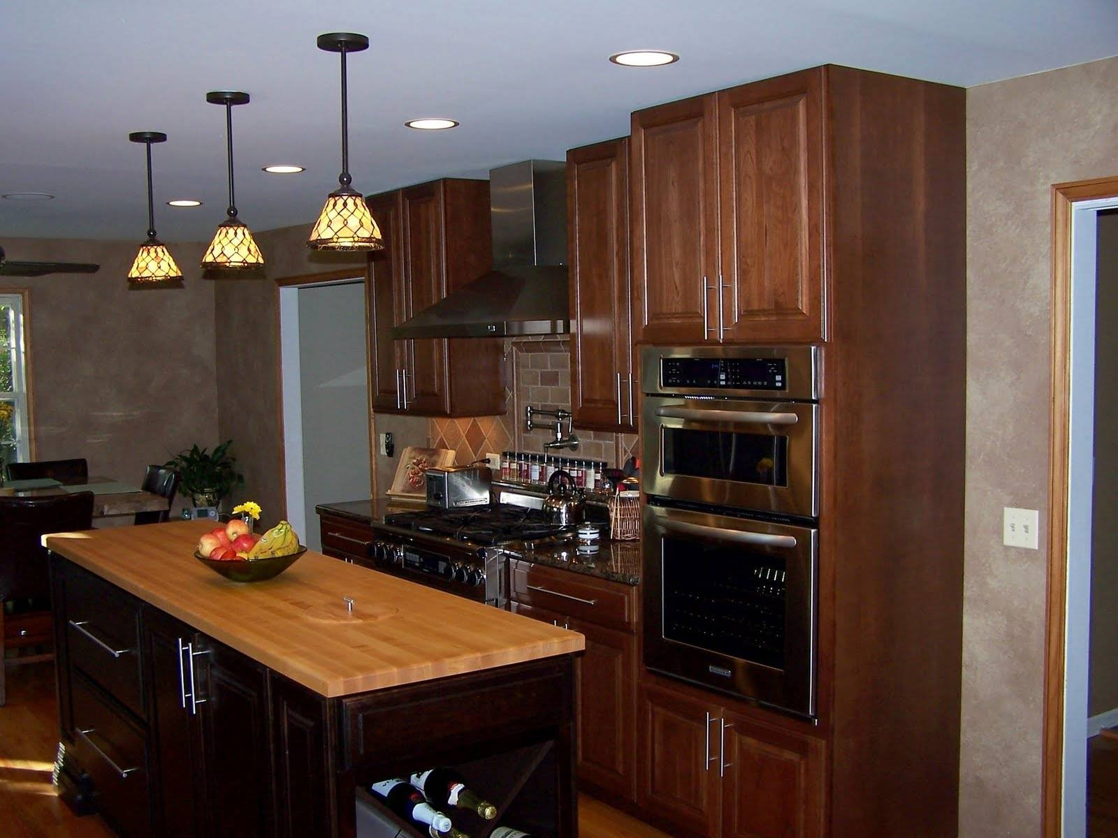 Features Light Decor : Stained Glass Hanging Lamp Patterns Within Stained Glass Pendant Light Patterns (View 3 of 15)