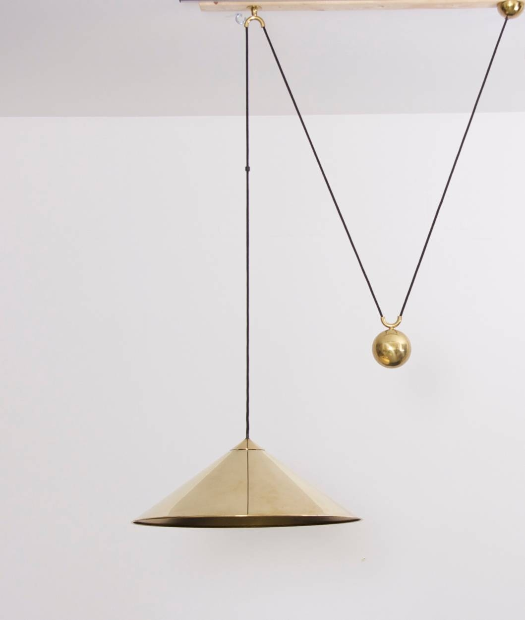 Featured Photo of Counterweight Pendant Lights