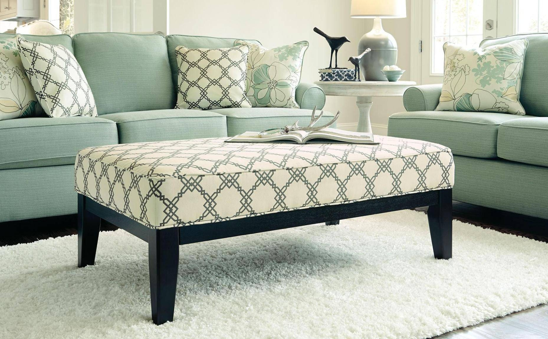 Furniture: Alluring Oversized Chairs With Ottoman For Living Room regarding Oversized Sofa Chairs (Image 7 of 15)