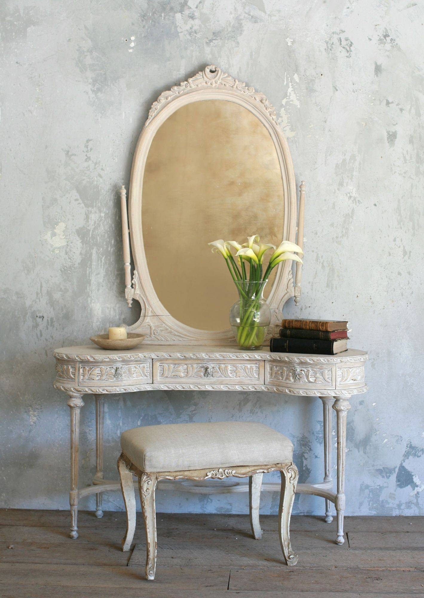 Furniture. White Vanity Table With Mirror And Storage Drawer Plus for Antique White Oval Mirrors (Image 8 of 15)