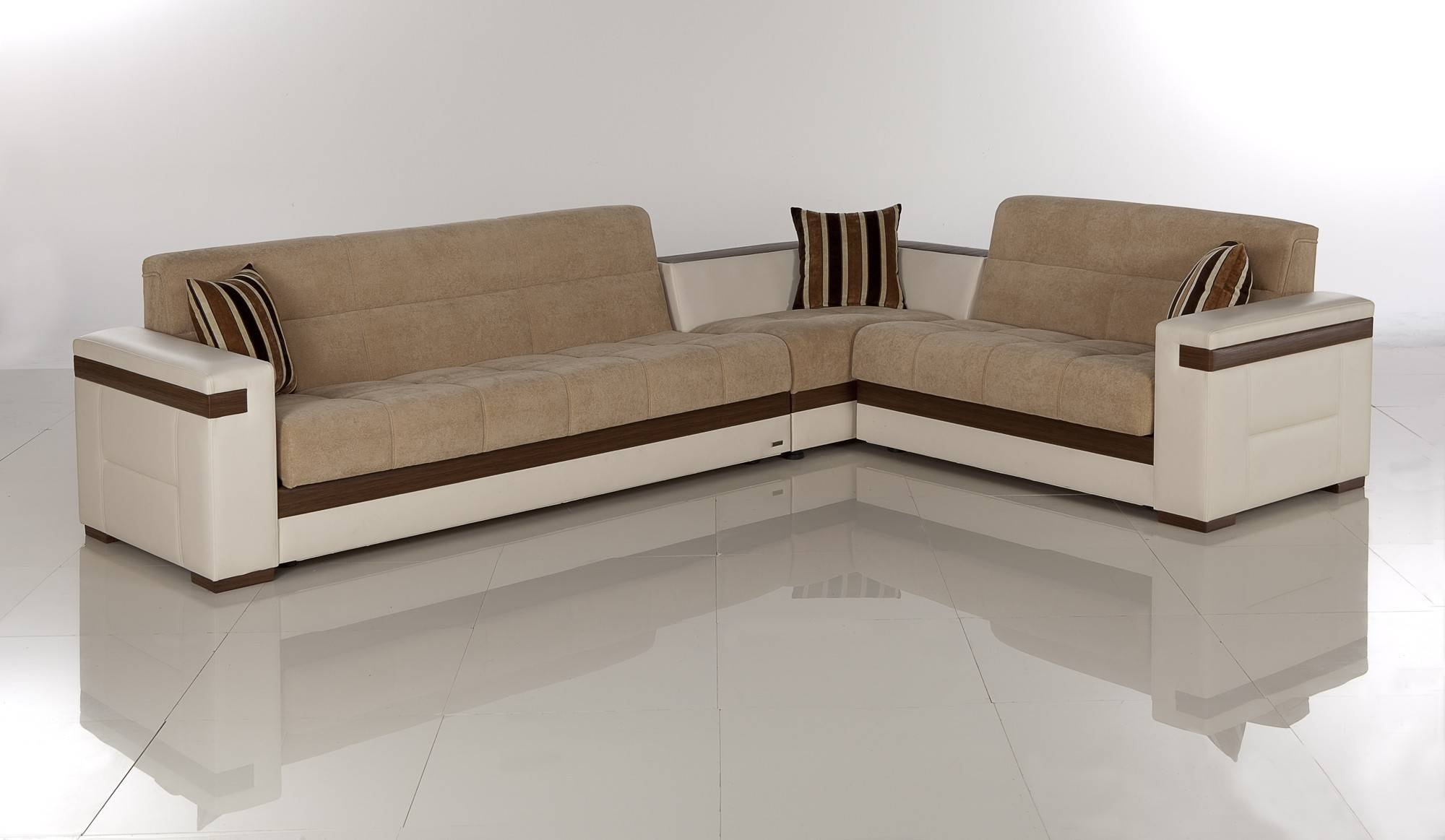 Furniture: Wondrous Alluring Sectional With Sleeper For Home with regard to Corner Sleeper Sofas (Image 11 of 15)