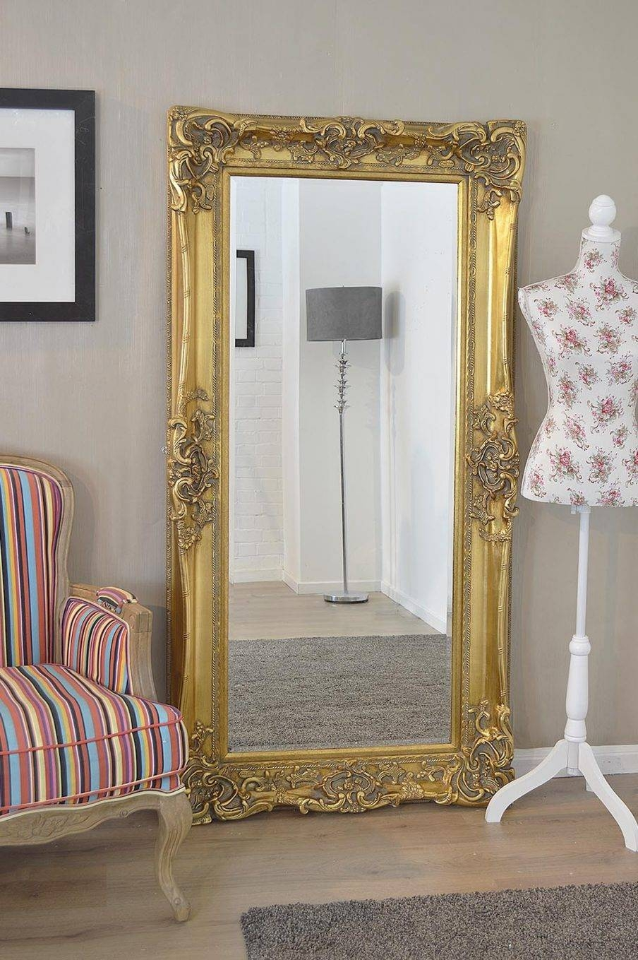Outstanding White Shabby Chic Wall Mirror Cozy Shabby Chic Mirrors inside Shabby Chic Mirrors With Shelf (Image 10 of 15)