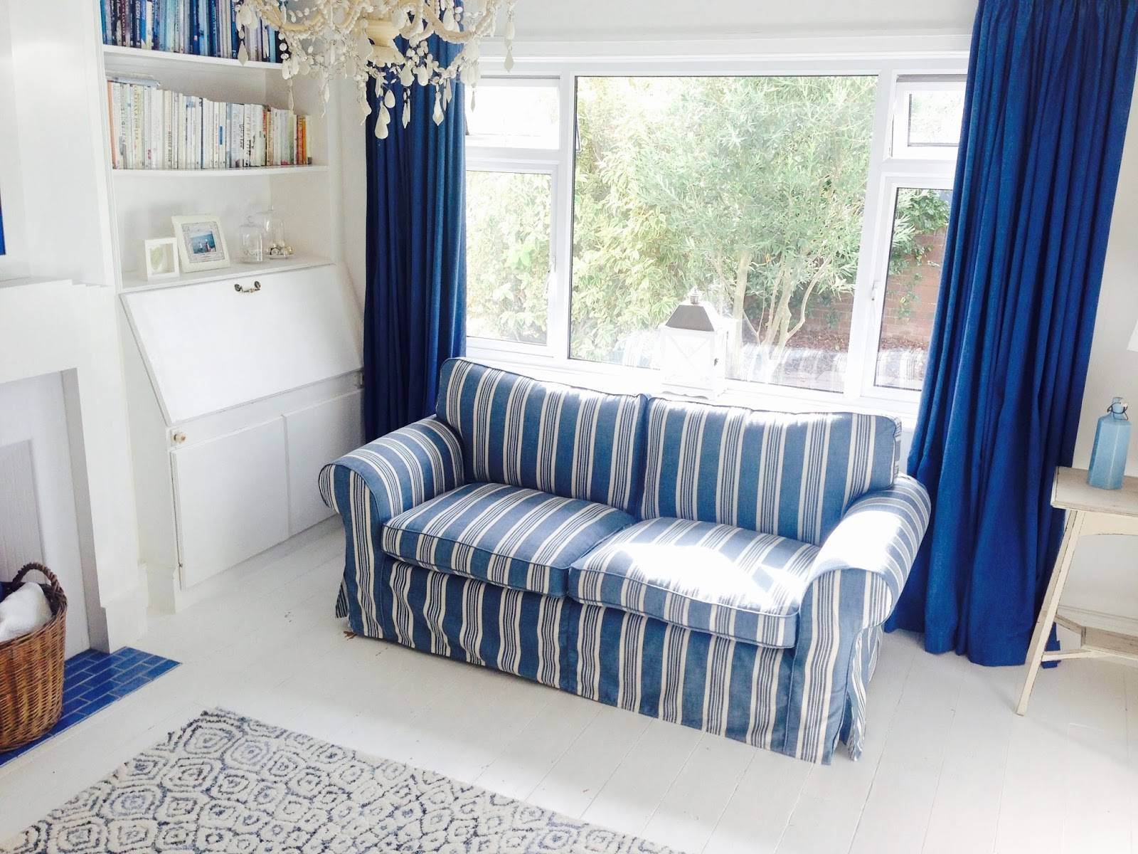 15 Photos Blue and White Striped Sofas