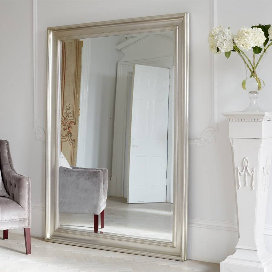 Featured Photo of Oversized Mirrors