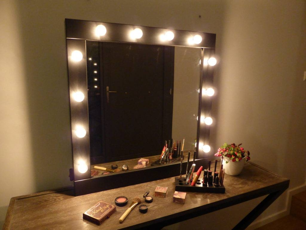 Wall Vanity Mirror With Lights 137 Outstanding For Hollywood throughout Wall Light Mirrors (Image 15 of 15)
