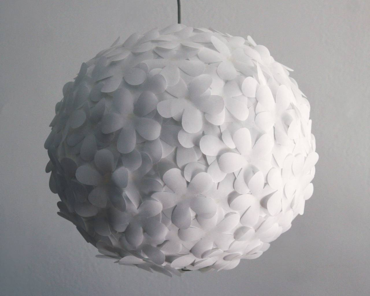 Featured Photo of White Flower Pendant Lights
