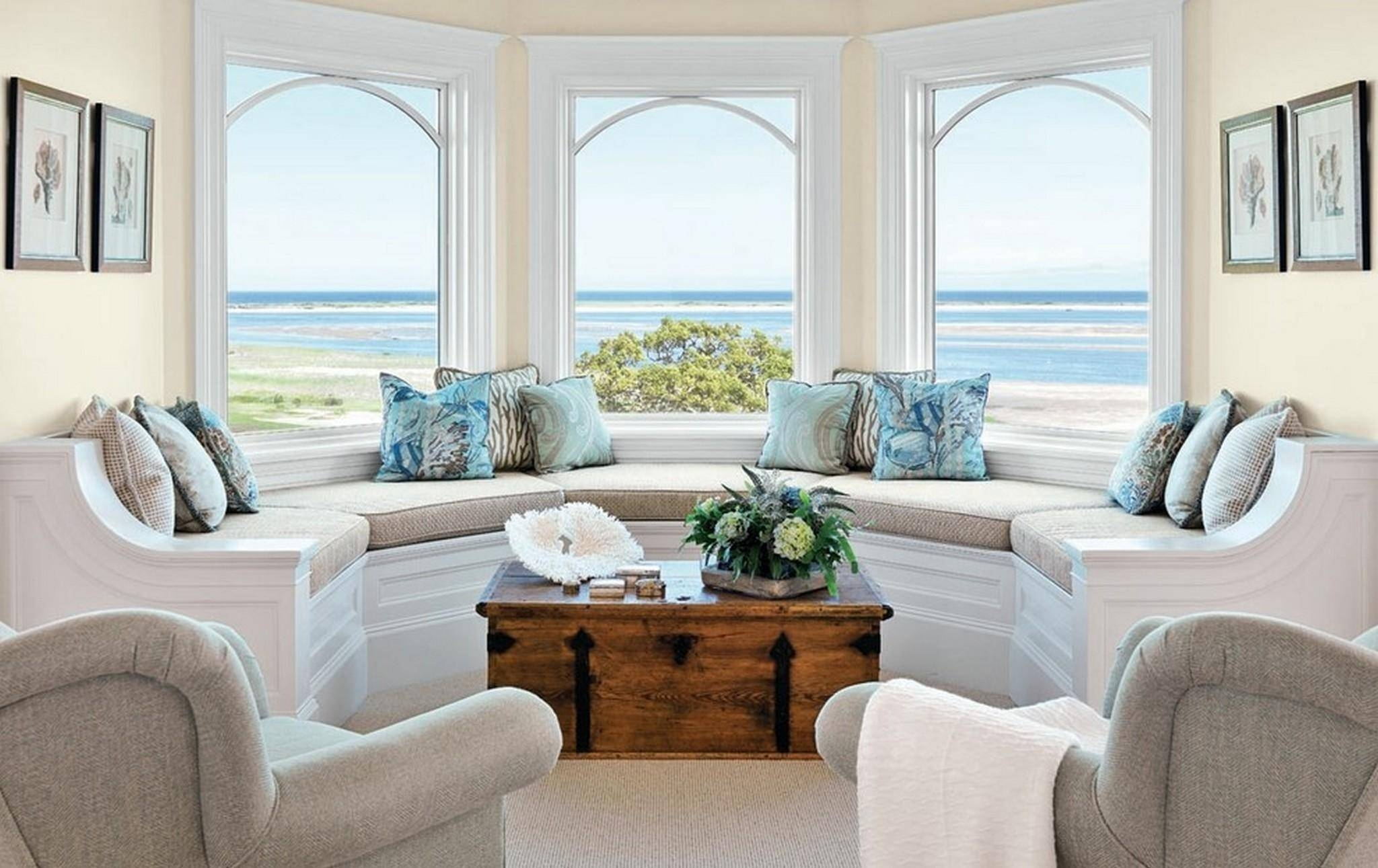 20+ Choices Of Sofas For Bay Window | Sofa Ideas in Window Sofas (Image 2 of 15)