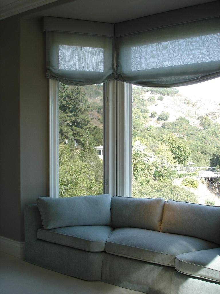 20+ Choices Of Sofas For Bay Window | Sofa Ideas with Bay Window Sofas (Image 1 of 15)