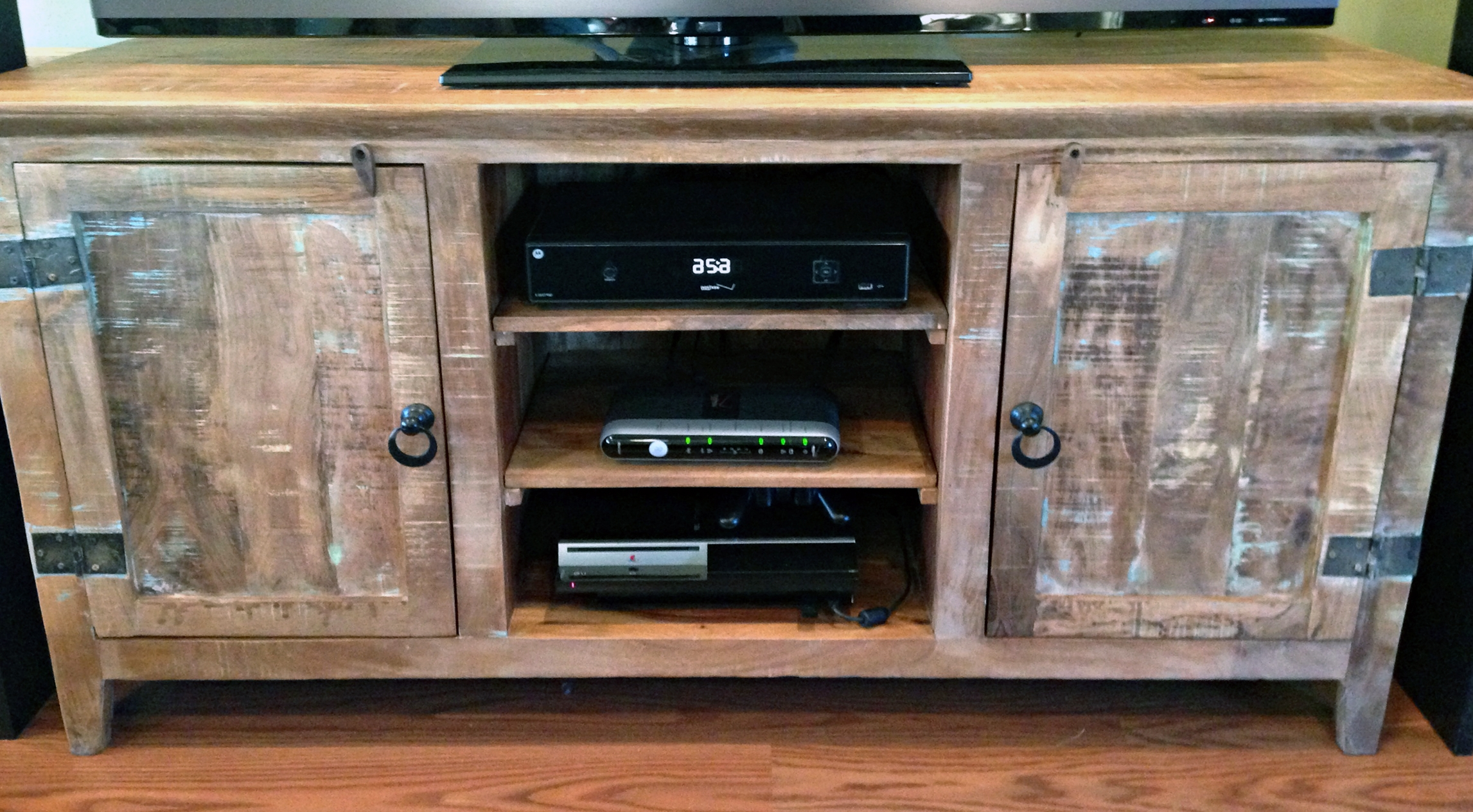 35 Supurb Reclaimed Wood Tv Stands & Media Consoles Within Rustic Red Tv Stands (Photo 14 of 15)