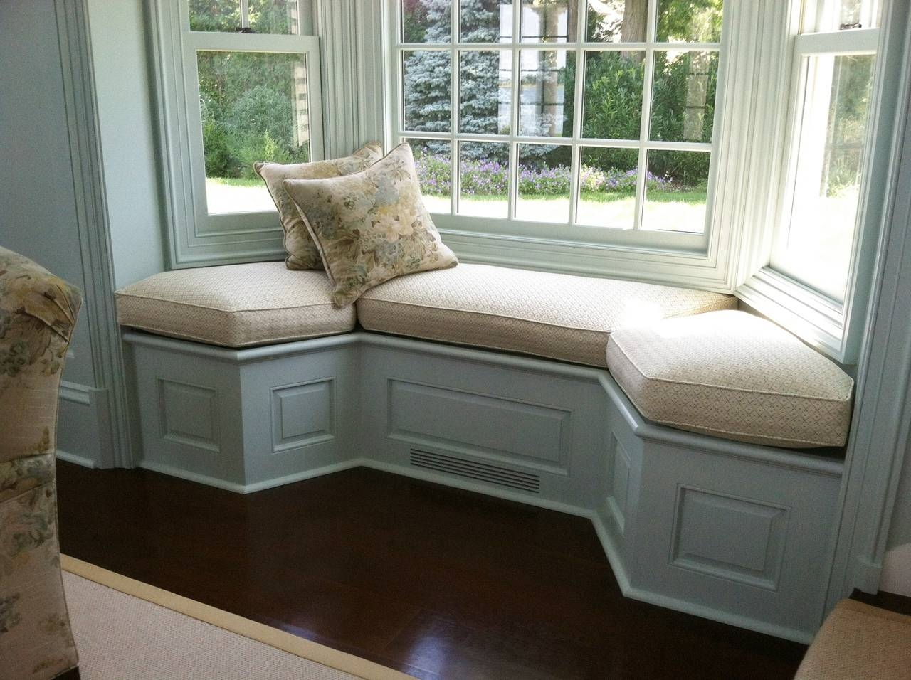 Amazing Bay Window Sofa 52 For Your Living Room Sofa Inspiration with Sofas for Bay Window (Image 3 of 15)