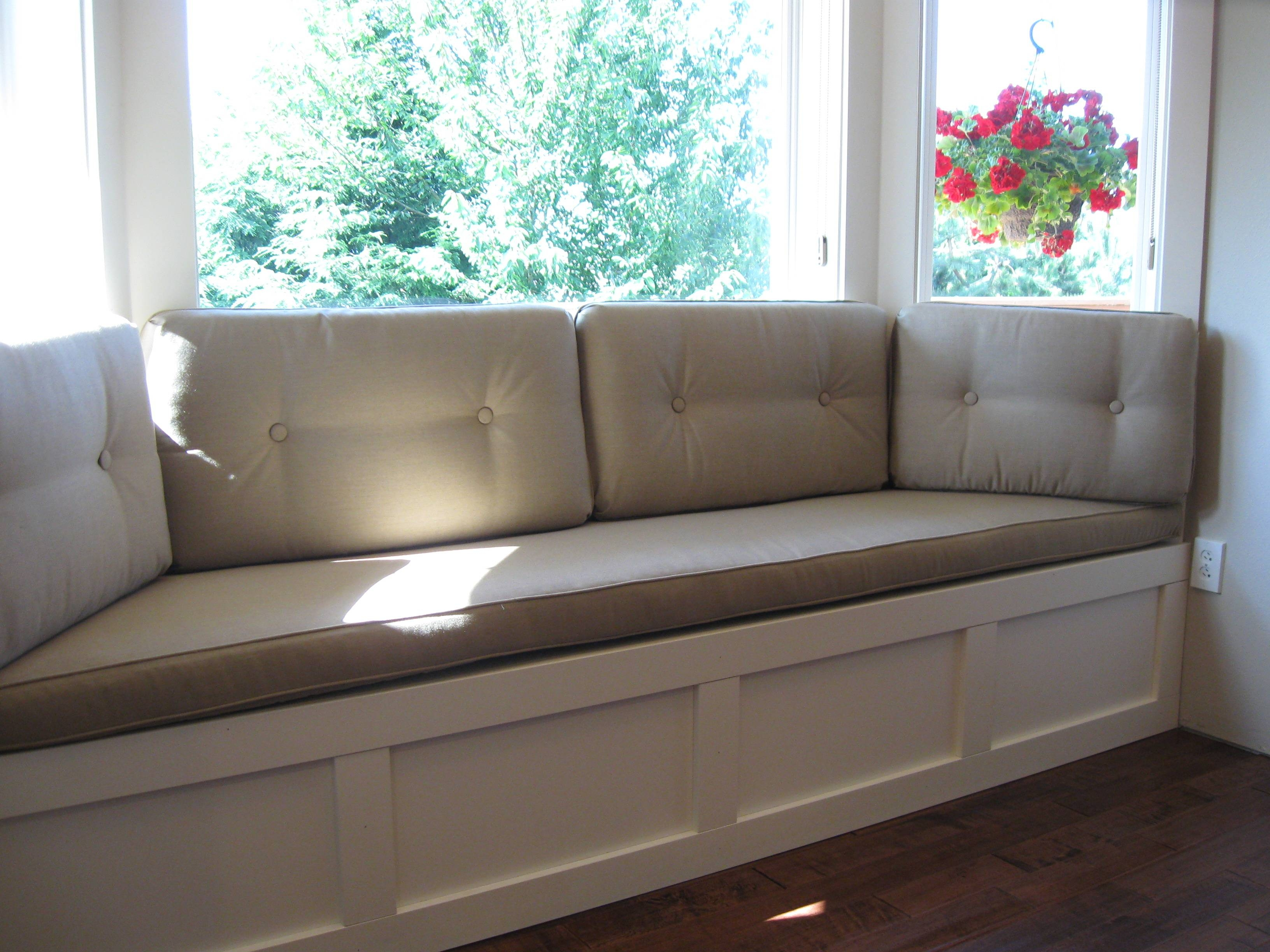 Top 15 of Sofas for Bay Window