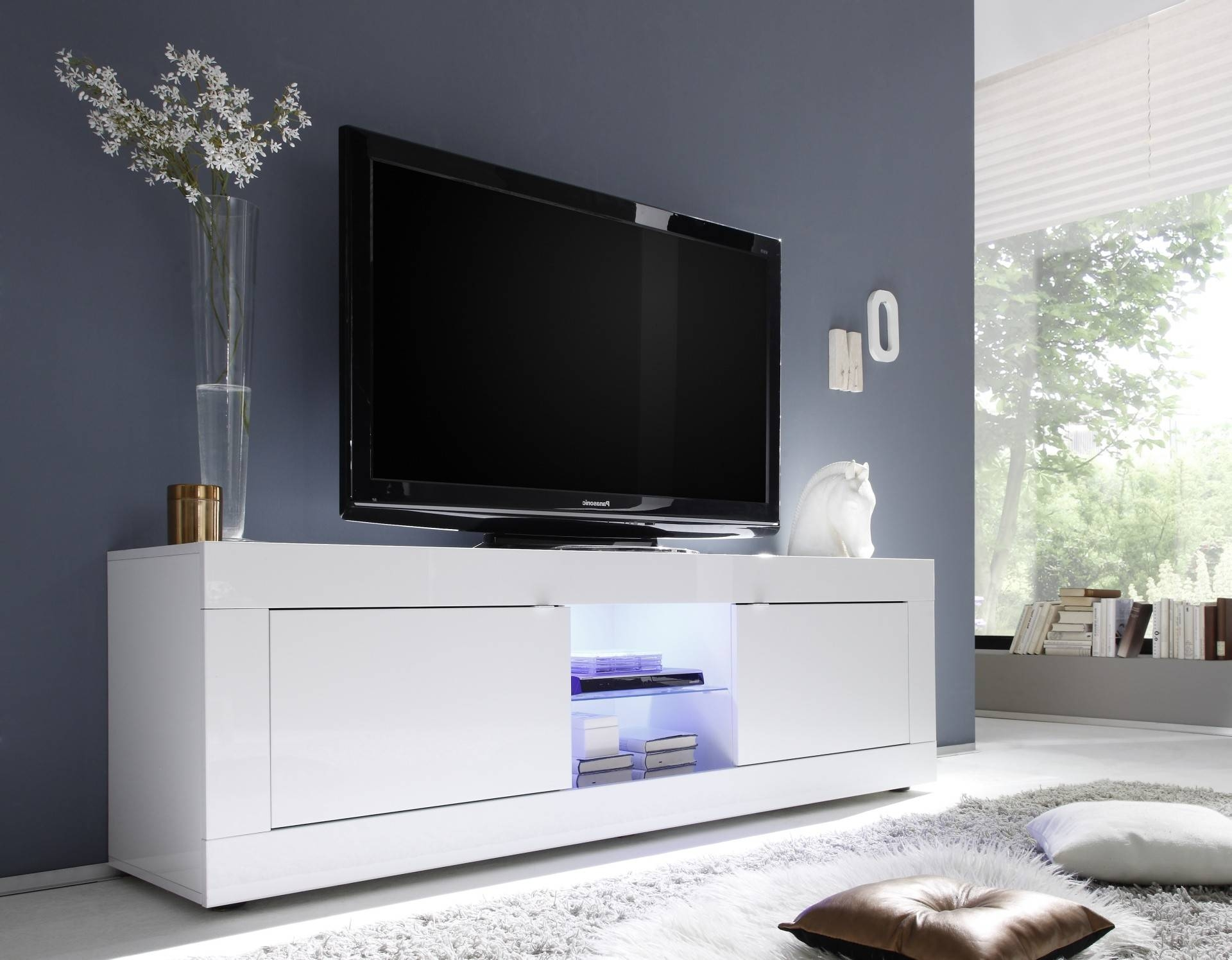 Bench. High Gloss Tv Bench: Tv Stand Unit In White High Gloss with High Gloss White Tv Cabinets (Image 2 of 15)