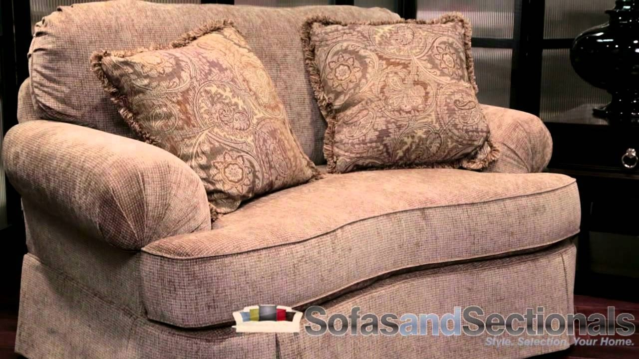 Featured Photo of Broyhill Mckinney Sofas