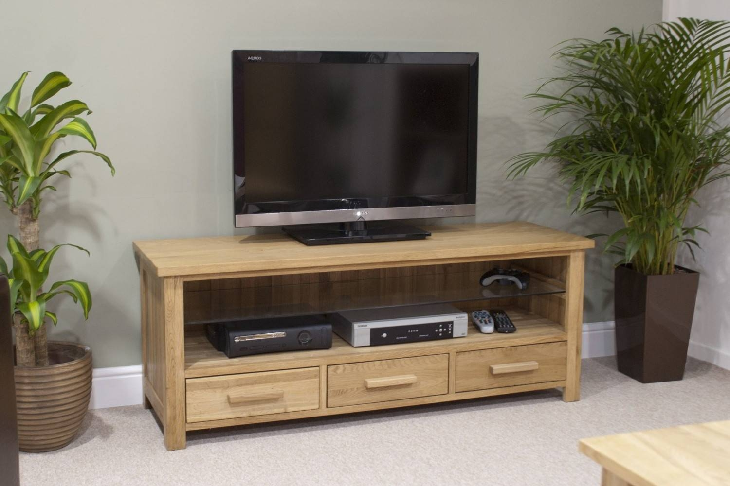 Eton Solid Oak Living Room Furniture Widescreen Tv Cabinet Stand inside Wide Screen Tv Stands (Image 8 of 15)