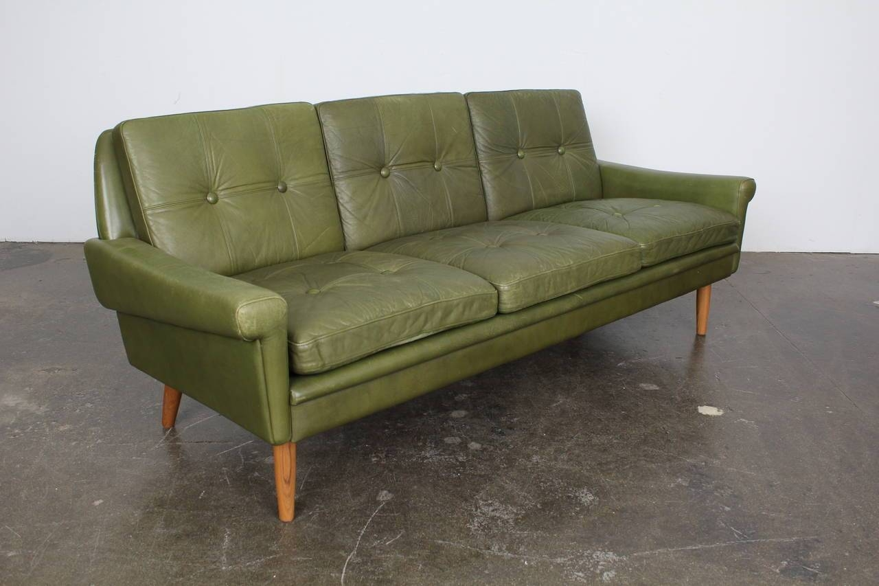 Excellent Green Leather Loveseat #2583 : Furniture - Best within Green Leather Sectional Sofas (Image 2 of 15)