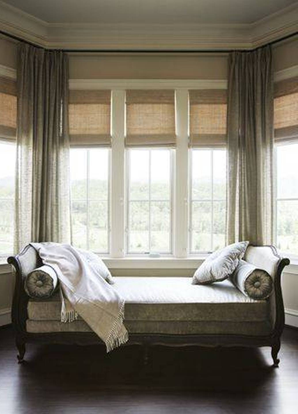 Living Room. Decorating A Bay Window Ideas: Classic Bay Window inside Window Sofas (Image 12 of 15)