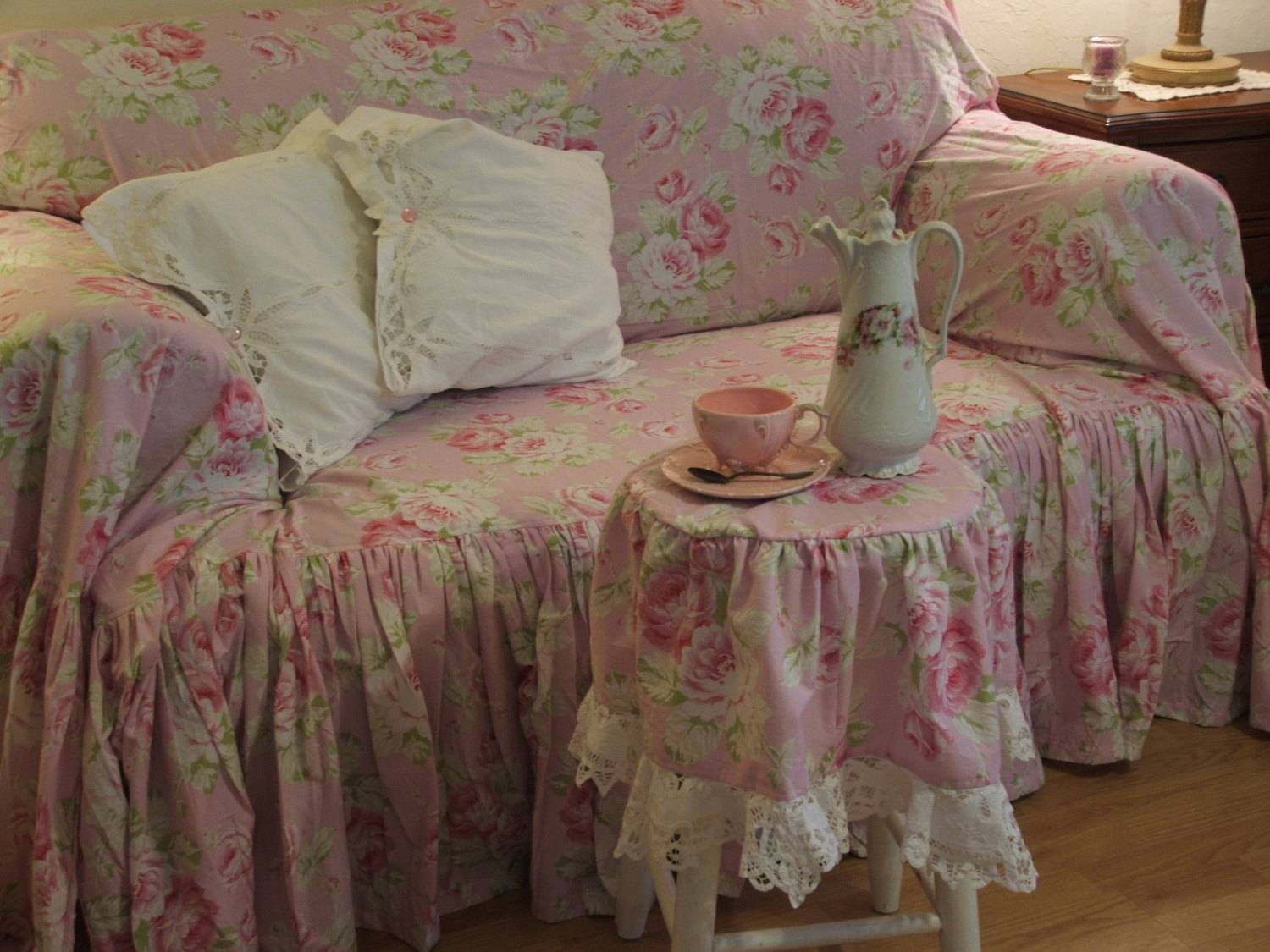 Shabby Chic Sofa Bed - Fjellkjeden inside Shabby Chic Sofa Slipcovers (Image 9 of 15)