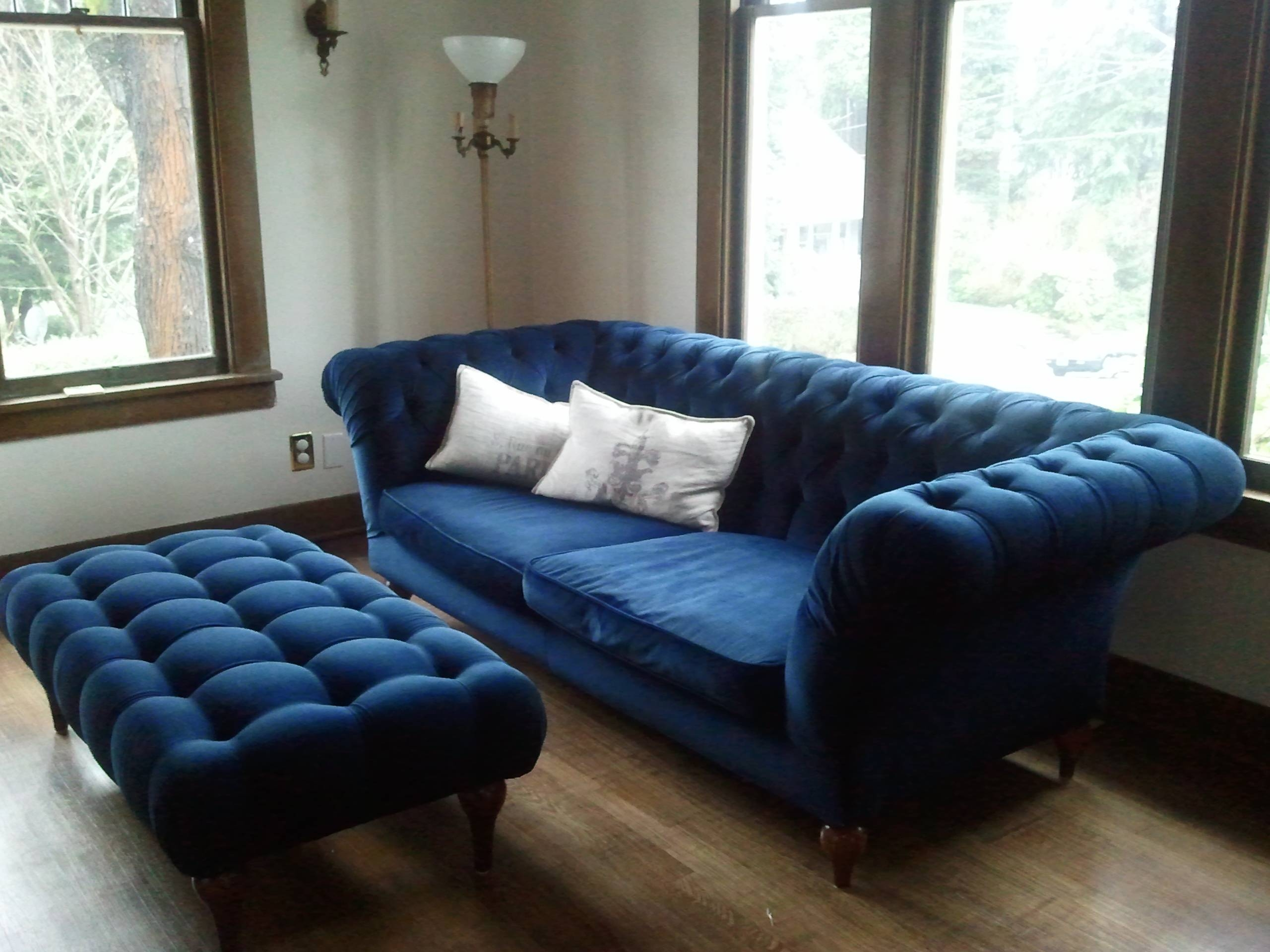 Simple Living Room Design With Dark Blue Velvet Tufted Sofa With for Blue Velvet Tufted Sofas (Image 12 of 15)