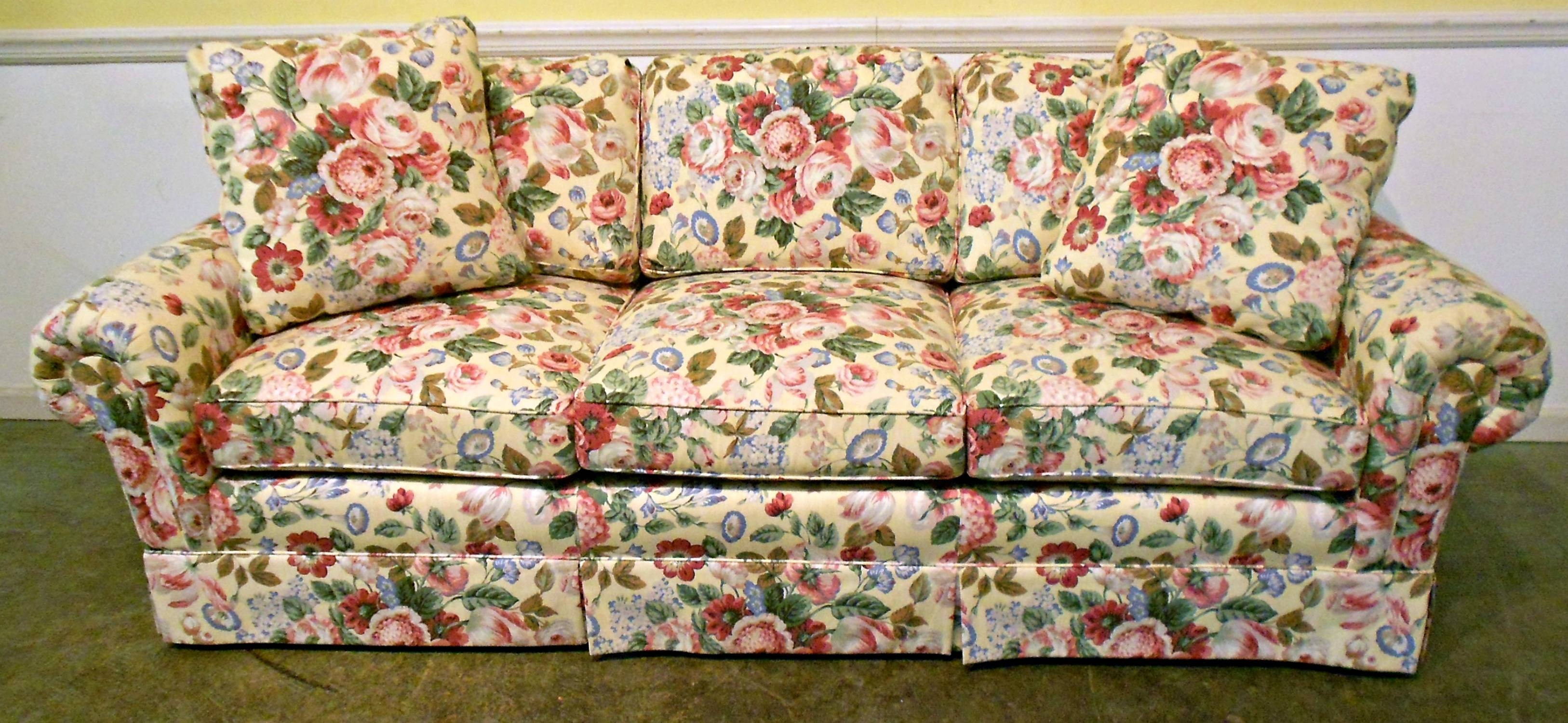 Terrific Floral Print Sofas 9 Floral Print Sofa Beds Now I M Not regarding Floral Sofas (Image 14 of 15)