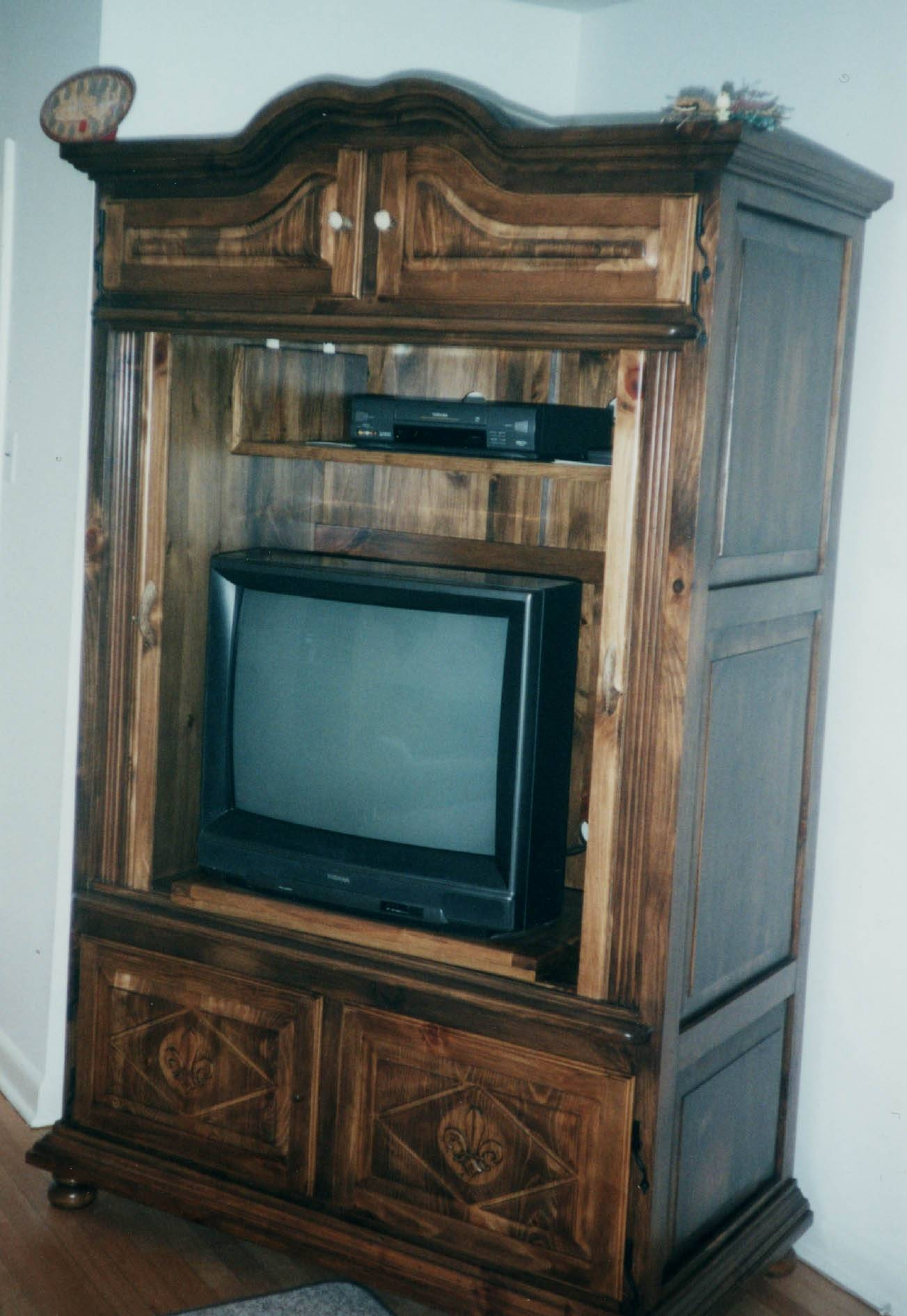 Traditional Wood Storage Cabinets With Doors For Tv Cabinets With Inside Traditional Tv Cabinets (View 11 of 15)